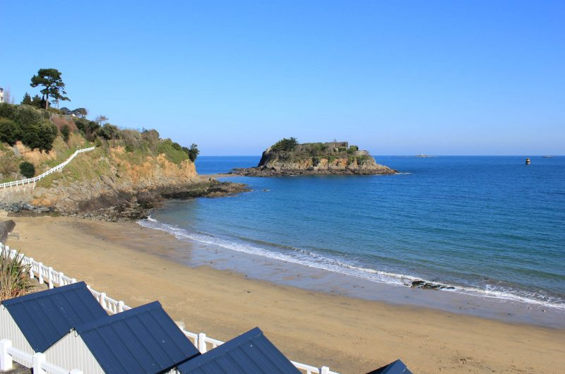 Beach of the Comtesse located at the foot of the hotel Ker Moor Preference Saint Quay Portrieux BRETAGNE SEA VIEW